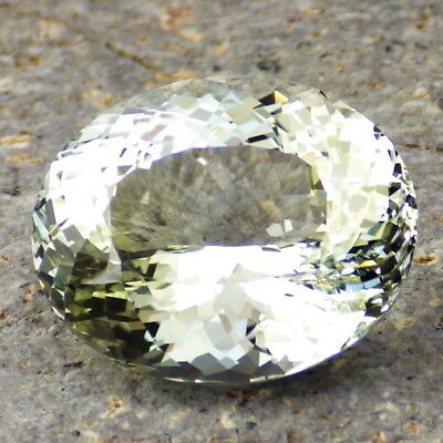 UNTREATED YELLOW-GREEN DICHROIC TOPAZ-RUSSIA 25.79Ct TOP INVESTMENT GRADE-VIDEO