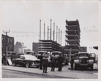 PIGEON HOLE PARKING LOT Cars Cleveland Ohio * VINTAGE 1956 Classic ICONIC photo