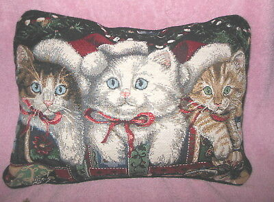 Adorable 'three Kittens'  Christmas Holiday Decortapestry Throw Pillow