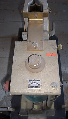 GE General Electric DC Contactor Relay 900 Amps , 230/250 VDC , # Y104A2 , (D1)