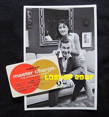 Tonight Show JOHNNY CARSON 's MASTER CARD credit signed by wife + vintage photo