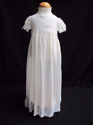 "ANTIQUE EDWARDIAN CREAM MUSLIN & LACE ""BOW"" BABY'S DRESS GOWN c1910"