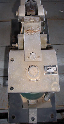 GE General Electric DC Contactor Relay 300 DC Amps 600V , # Y102A2 , (BD)