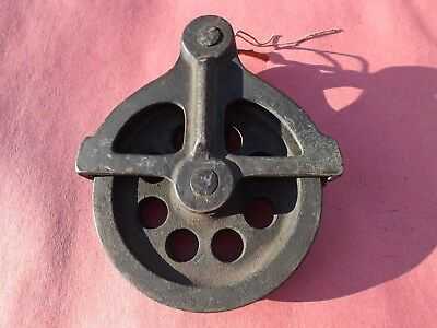 1 Vintage CW Bronze Marine Pulley Vintage Condition, Wheel Moves Freely