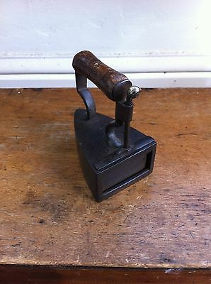 LOVELY SMALL SIZE VICTORIAN BOX IRON with SLUG -  WALKER 3.7 inches