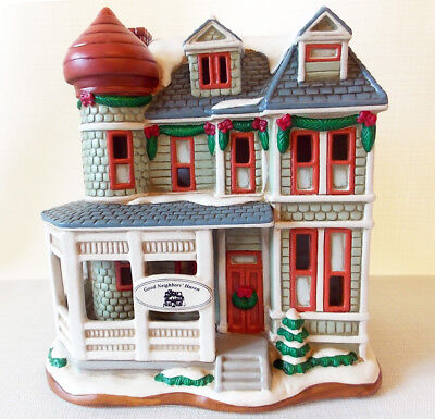 EUC Lefton Colonial Village GOOD NEIGHBORS HAVEN Building House 11505 Christmas
