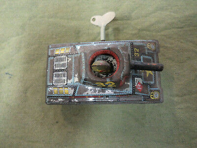 #cc10.    Tin  Windup Tank Toy,  Working But Sticky