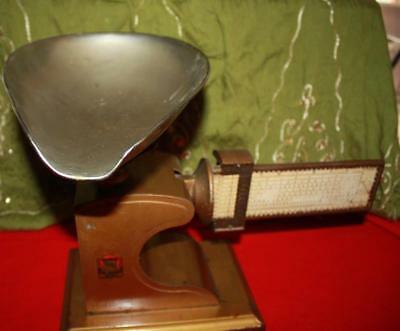 Vtg 1915 Pelouze Computing 2lbs Candy Scale Drug Store Old Brass Chicago w/scoop