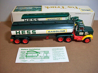 1977 Hess Truck with Box
