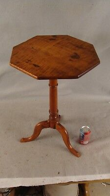 Antique 18C Small Slender Carved Tiger Maple Top Candlestand Table