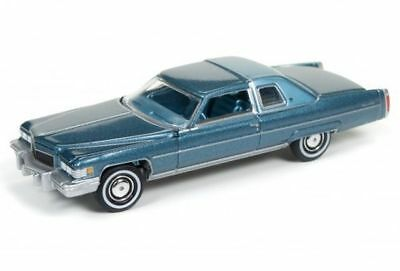 `76 Cadillac Coupe DeVille  Blue 1976 **RR** Auto World Cruisers 1:64 OVP