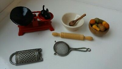 Dolls House Miniatures Good Quality Kitchen Accessories
