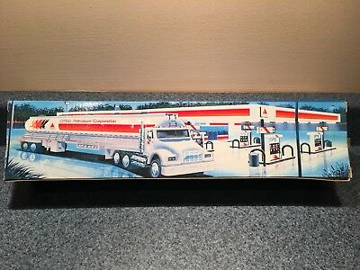 New Never Used Or Opened 1996 Citgo Toy Tanker  First In A Series Mib