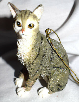 Estate  Cat Figurine Christmas Ornament, Grey and White Sitting so Pretty LOOK