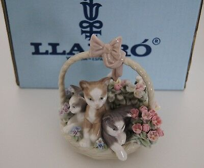 LLADRO 1444 Purr-Fect Pink Bow Flower Basket & Kitty Cats Porcelain Figurine BOX