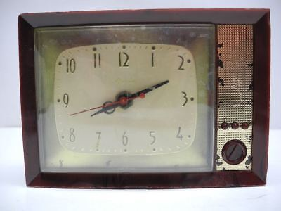 Vintage 1960's Spartus Model 730 Mid Century Wall / Mantle Clock Shaped Like TV