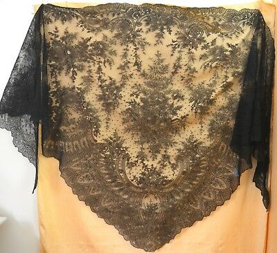 Fabulous Antique Huge 19Th C. Silk Chantilly Lace Shawl Tt394