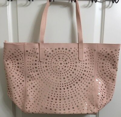 Bath & Body Works 2017 VIP Zippered Tote Bag BLUSH PINK. BRAND NEW. NO PRODUCT
