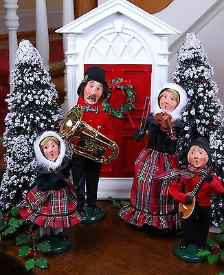 Byers' Choice - Musical Instrument Family Set of 4 - New 2017 Christmas Carolers