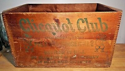 Vintage Clicquot Club Pale Dry Ginger Ale Wooden Soda Bottle Crate Box
