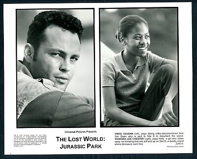 VINCE VAUGHN VANESSA LEE CHESTER in THe Lost World Jurassic Park '97 WOW LOOK