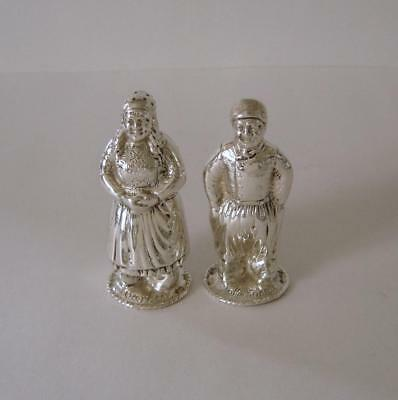 A Pair Of Fine Quality Vintage Sterling Silver Pepper Pots London 1928 83 Grams