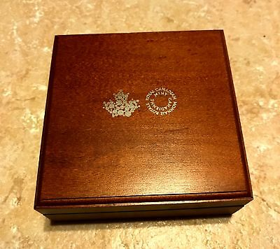 Royal Canadian Mint Solid Maple Wood Empty Coin Box W/ Insignia Maple Leaf New
