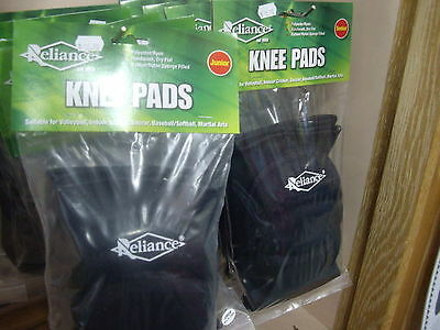BLACK Reliance Padded Knee Pads Junior : Softball / Basebal , Volleyball, Futsal
