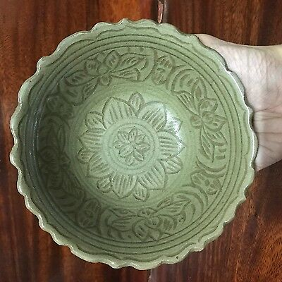 Antique Thai Sawankholak  Sukhothai   Celadon  Flower Designed Bowl '