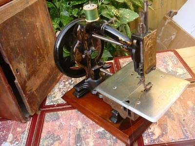 Antique Victorian Vintage Old HARRIS  Sewing Machine  1872c ** SEE VIDEO**