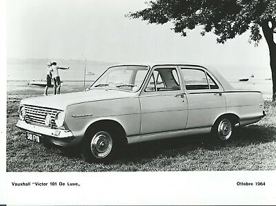 Vauxhall Victor 101 De Luxe 1964 Original Press Photograph Foto By The Waterside