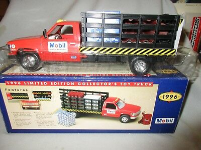 Mobil 1996 Limited Edition Stake truck with load 1/24 MIB