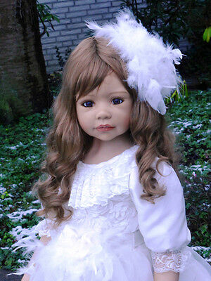 """Masterpiece Dolls  Allison Brown Wig, Fits Up To 20 1/2"""" Head, Doll Not Included"""