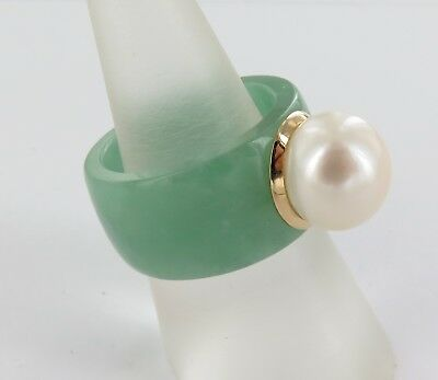 Large Unusual14K Gold, Cultured Pearl & Nephrite / Jade Ring.