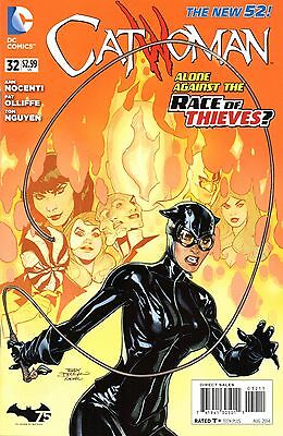 Catwoman Comic 32 DC 2014 Nocenti Oliffe Nguyen New 52 Race of Thieves: Hijack