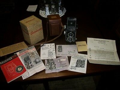 Vtg. 1950's Rolleicord Camera/Original Leather Case, Box, and Paper Instructions
