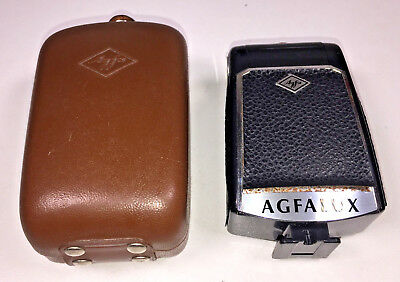 A German-made Agfa Agfalux bulb flash gun from 1950s with sync cable & case