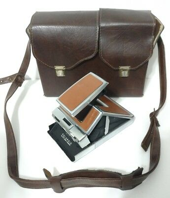 Vintage POLAROID SX-70 Instant Collapsible LAND CAMERA with Diamond Case TESTED