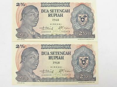 Uncirculated Consec Pair 1968 Bank Of Indonesia 2 1/2 Rupees Look Good In Frame