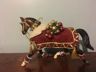 """Breyer Traditional """"Winter Belle"""" Holiday Christmas Model"""