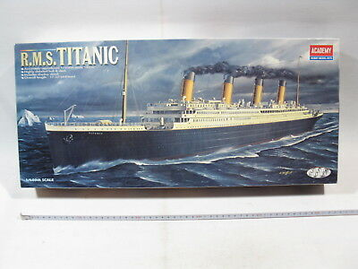 Academy 1459  RMS Titanic  Static model  1:600  sealed in box  mb4377