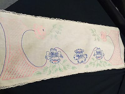 Vintage Hand Embroidery Flowers Ivory Table Runner With Crochet Trim