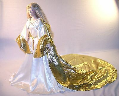 """Franklin Mint Heirloom Queen Galadriel Doll  23"""" porcelain Lord Of the rings"""