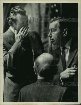 1972 Press Photo Earl Bridges and New York Governor Malcolm Wilson - tua02962