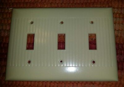 1 Vintage Mid Century Sierra BAKELITE 3 Toggle Triple Light Switch Plate Lines