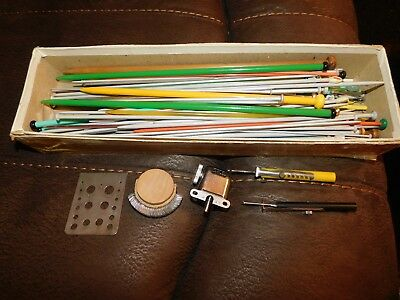 JOB LOT OF VINTAGE KNITTING NEEDLES, GAUGES etc