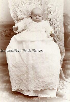 ANTIQUE CABINET PHOTO VICTORIAN BABY w BEAUTIFUL LONG GOWN MINNEAPOLIS MN 1800s