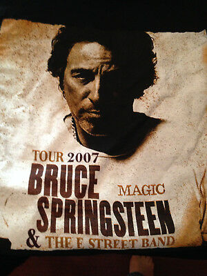 "Bruce Springsteen & E Street Band ""2007 Magic"" Tour T Shirt Medium, Black"