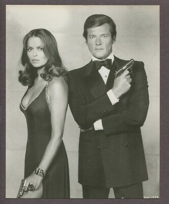 Roger Moore & Barbara Bach 1977 Original James Bond The Spy Who Loved Me J6326