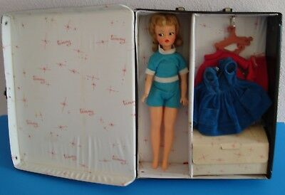 Vintage 1960's Ideal Tammy Doll With Case & Cutie Co-Ed Outfit